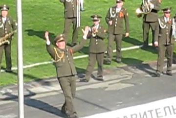 Покажите мне человека, который видел военных музыкантов трезвыми (video)
